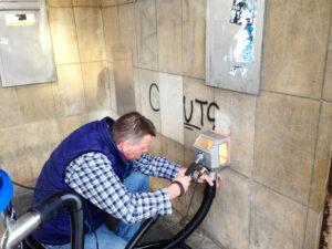 Čišćenje fasade na pješčenjaku, primjer 2