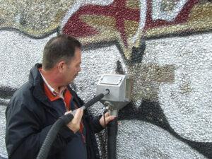 Čišćenje fasade na šljunčanom betonu, primjer 3