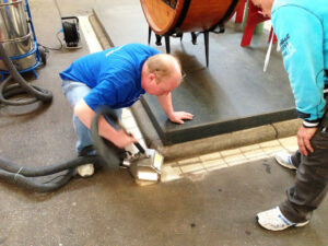 Čišćenje podnih pločica, primjer 2