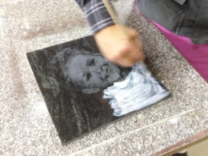 Foto graviranje granita, primjer 4