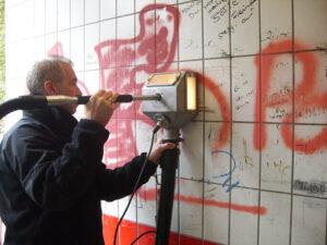 Uklanjanje grafita s pločica, primjer 1